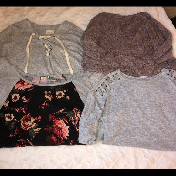 American Eagle Outfitters Tops - Bundle of 4 long sleeve shirts